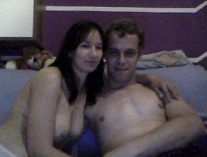 Hallo Mädels....  Wir sind ein junges, offenes und aufgeschlossenes Paar. Unser Sexleben ist sehr ausgeglichen. Da Sie den Wunsch nach einer Frau hat, suchen wir hier gemeinsam eine süße Bi-Maus, die in erster Linie meine Partnerin verwöhnt.  Alles kann, nichts muss.  Haben wir dein Interesse geweckt? Dann schreib uns doch einfach mal an. Gern auch im IM.  LG Yvi und Ronny